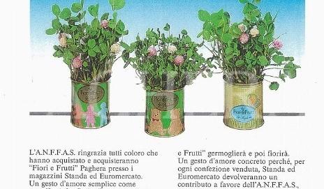 الزهور والفاكهة من أجل لفتة حب