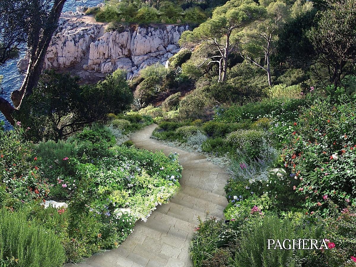 جنة خاصة في كاب فيرّا  - الحدائق