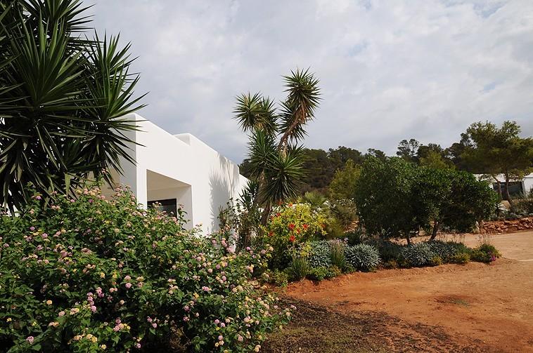 تحت شمس إيبيزا - الحدائق