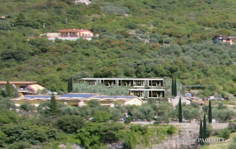 إعادة تأهيل فندق باستخدام حوائط نباتية  - فندق ومنتجع ونادي صحي