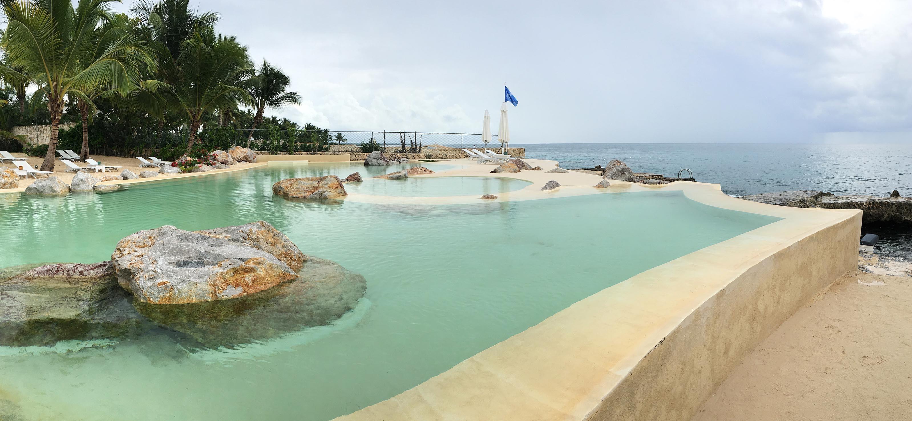 The gorgeous oceanic pool of Santo Domingo - Swimming Pools