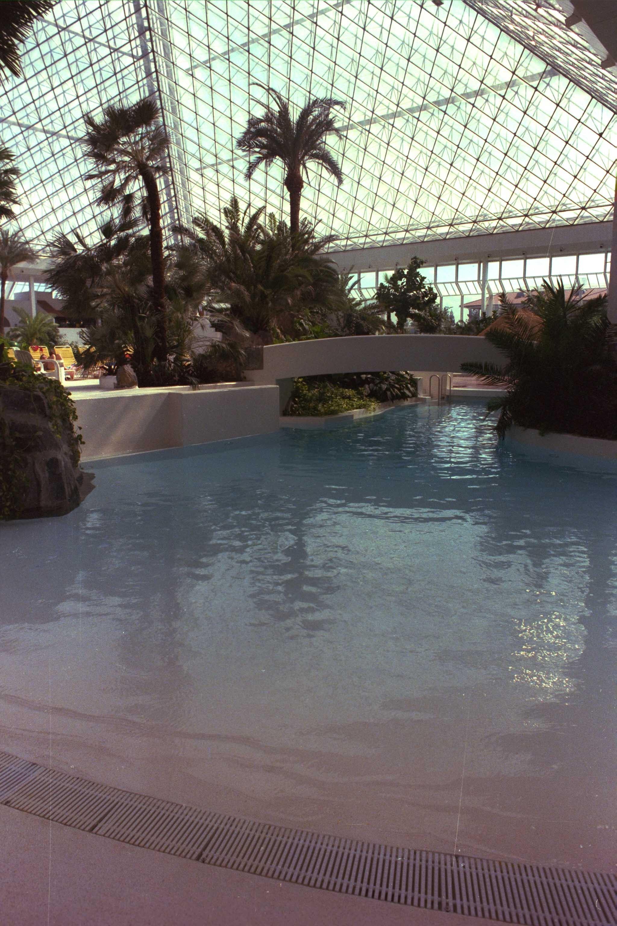 El Dorado - Vienna's Pyramid - Swimming Pools