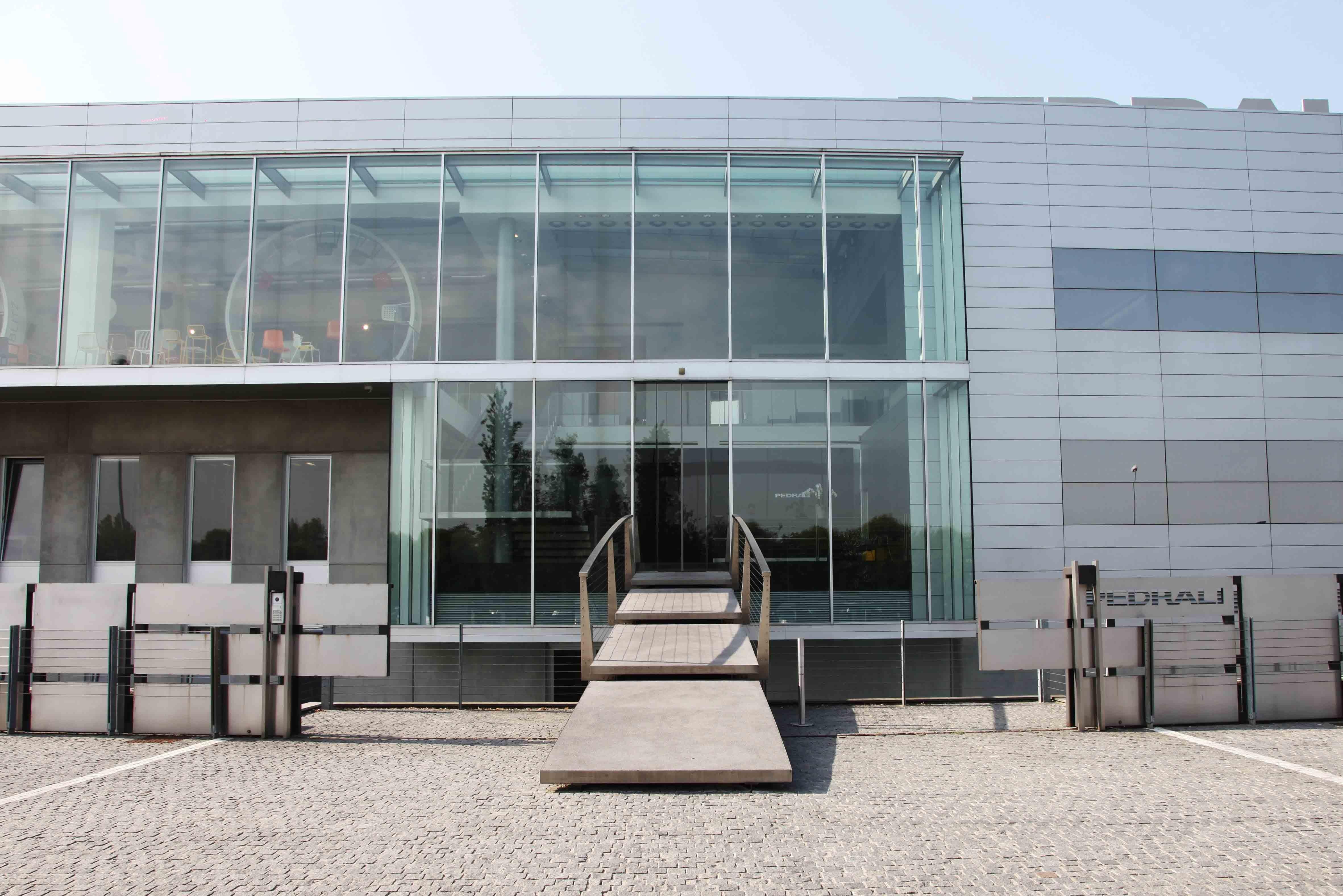 La sede di Pedrali - Sedi Aziendali