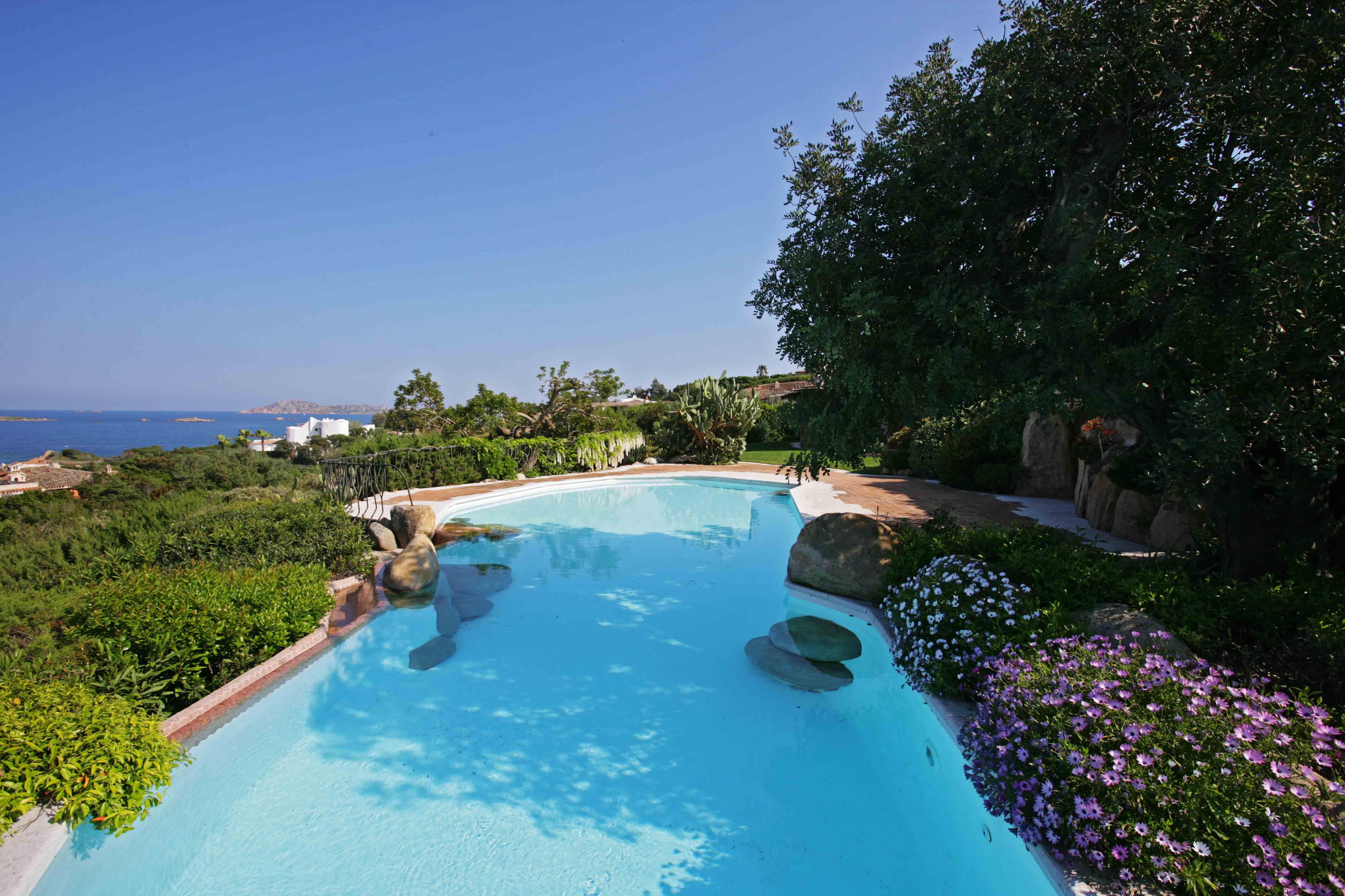 A beautiful garden in Sardinia - Gardens