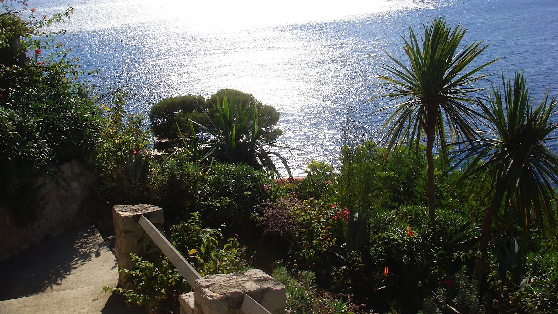 A picco sul mare - Giardini