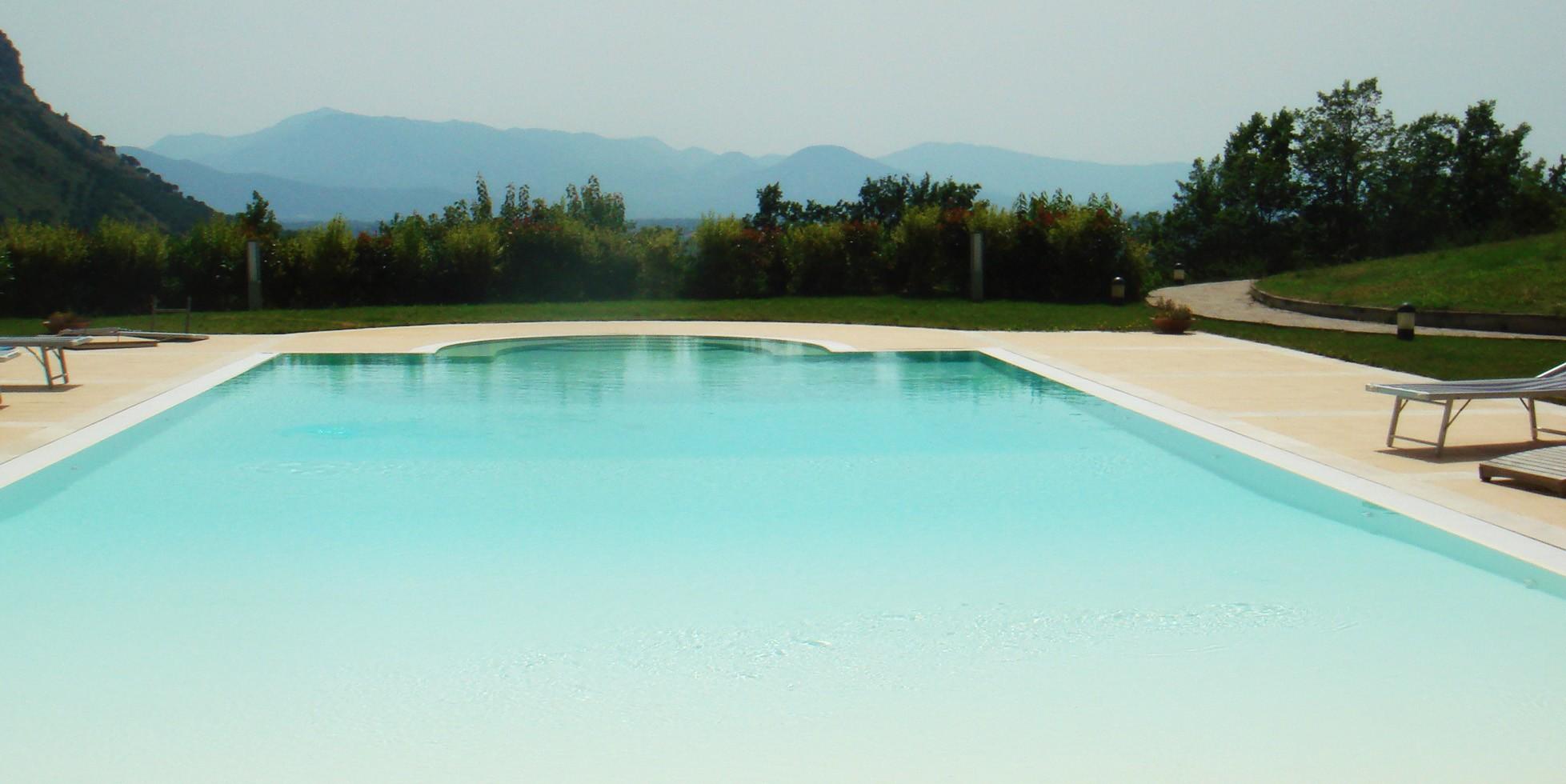 Shades of blue - استخر های شنا