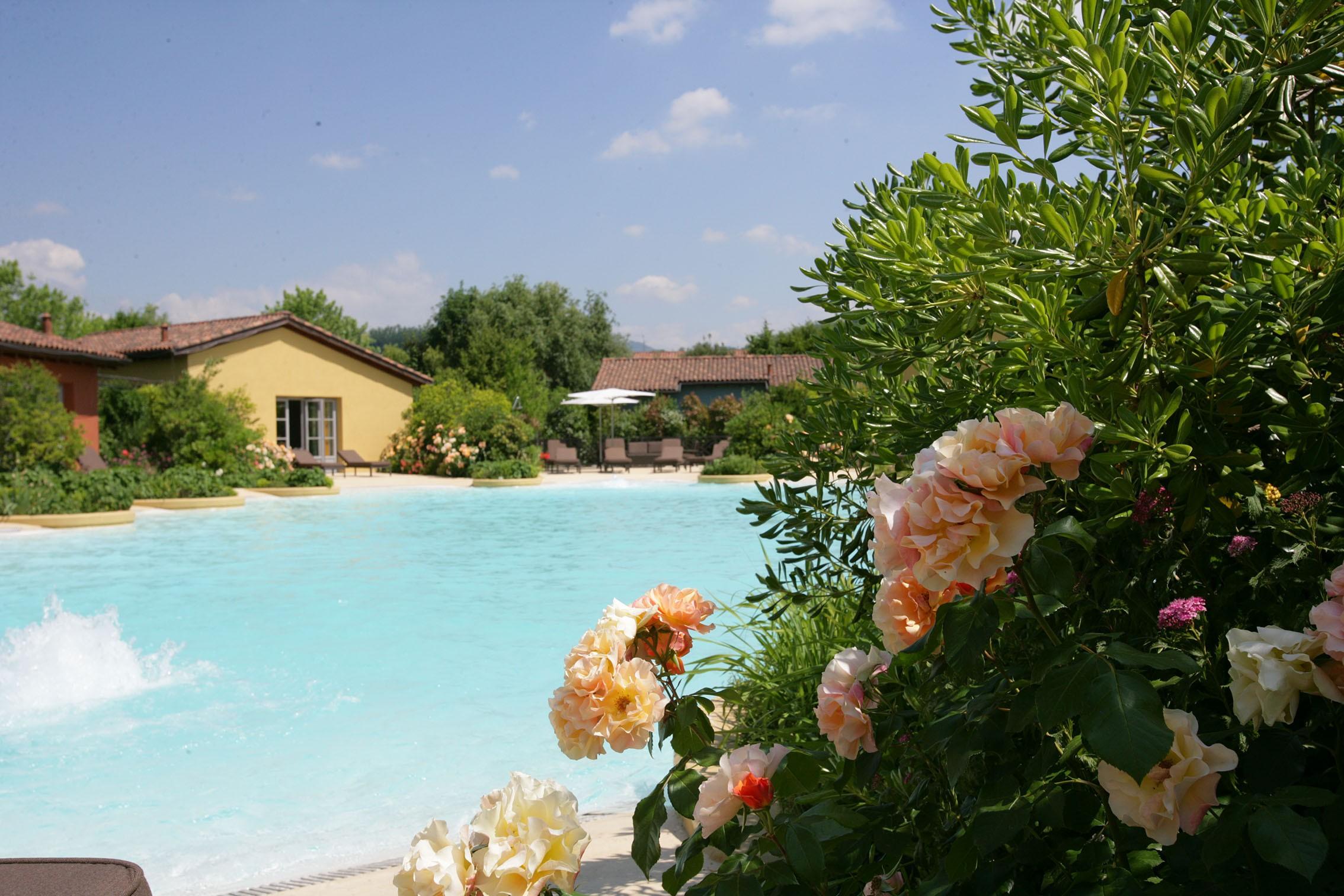 Les Vacheries - استخر های شنا