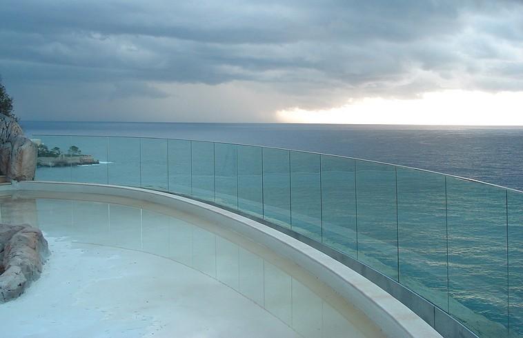 Vertically above the sea  - استخر های شنا