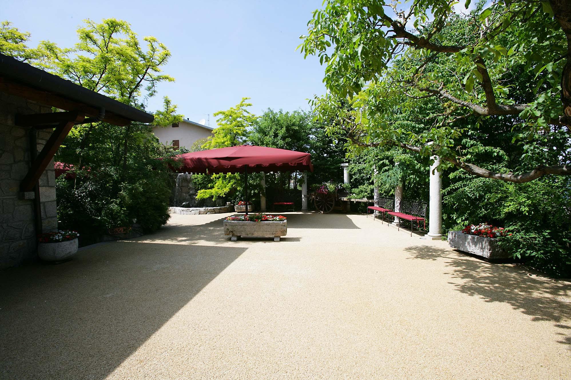 Roncola restaurant - هتل ها