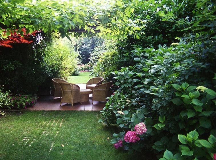 Garden park of the estate St. Apollonio - فضاهای عمومی و شهربازی ها