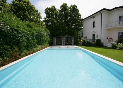 Elegante piscina privata
